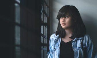 cropped-adolescent-brunette-dark-800703-1.jpg