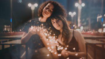 blur-casual-christmas-lights-573306